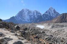 Khambu glacier